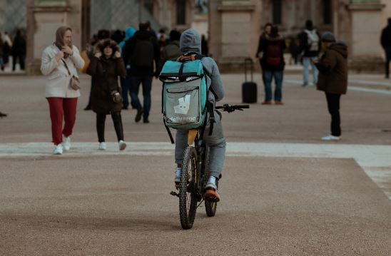 Ex-bankers poised to make fortunes at Deliveroo as more quit for start-ups